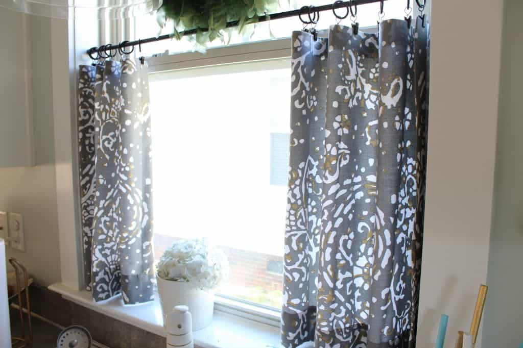 No Sew Cafe Curtains: Day 22  ~ www.simplestylings.com