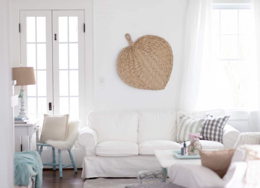 Coastal Comfortable Living Room (3 of 5)