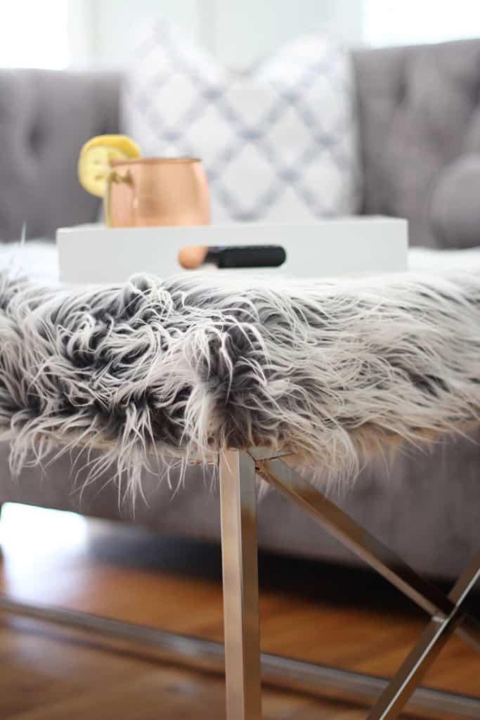 Fur-coffee-table-vert-683x1024