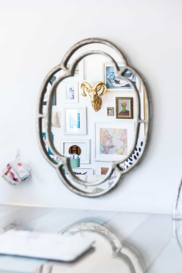 Simple Stylings Home Tour on Glitter Guide Gallery Wall