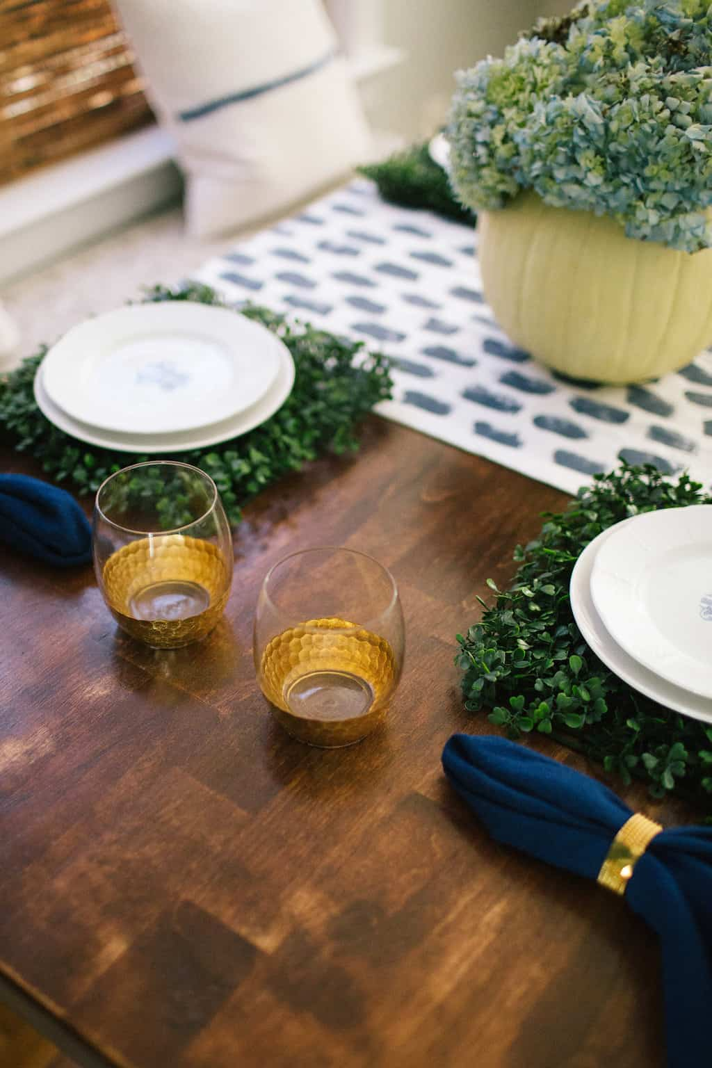 2016-Fall-Home-Tour-Easing-Into-Fall-with-Navy-Blue-faux-boxwood