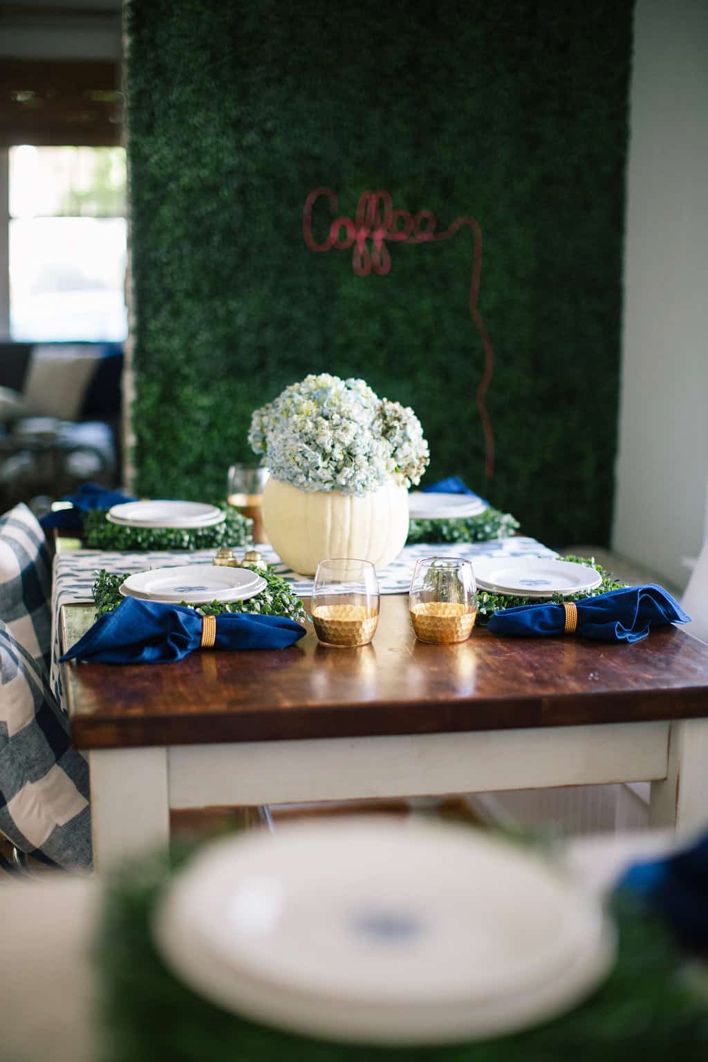 2016-Fall-Home-Tour-Easing-Into-Fall-with-Navy-Blue-navy-table