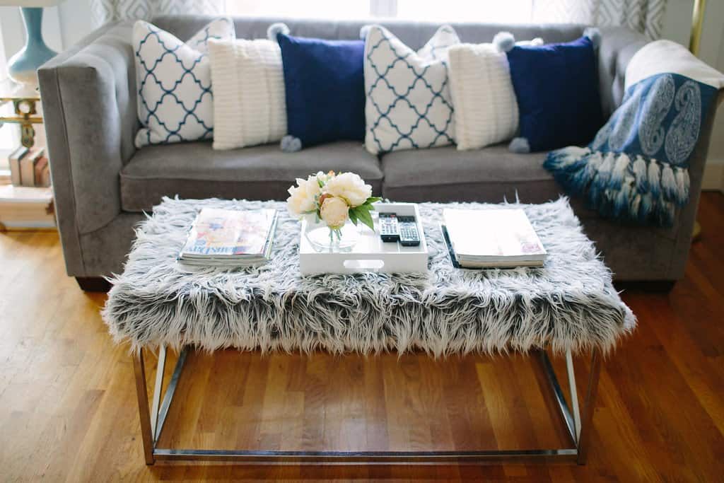 Blogger-Stylin-Home-Tour-2016-Fall-Edition-faux-fur