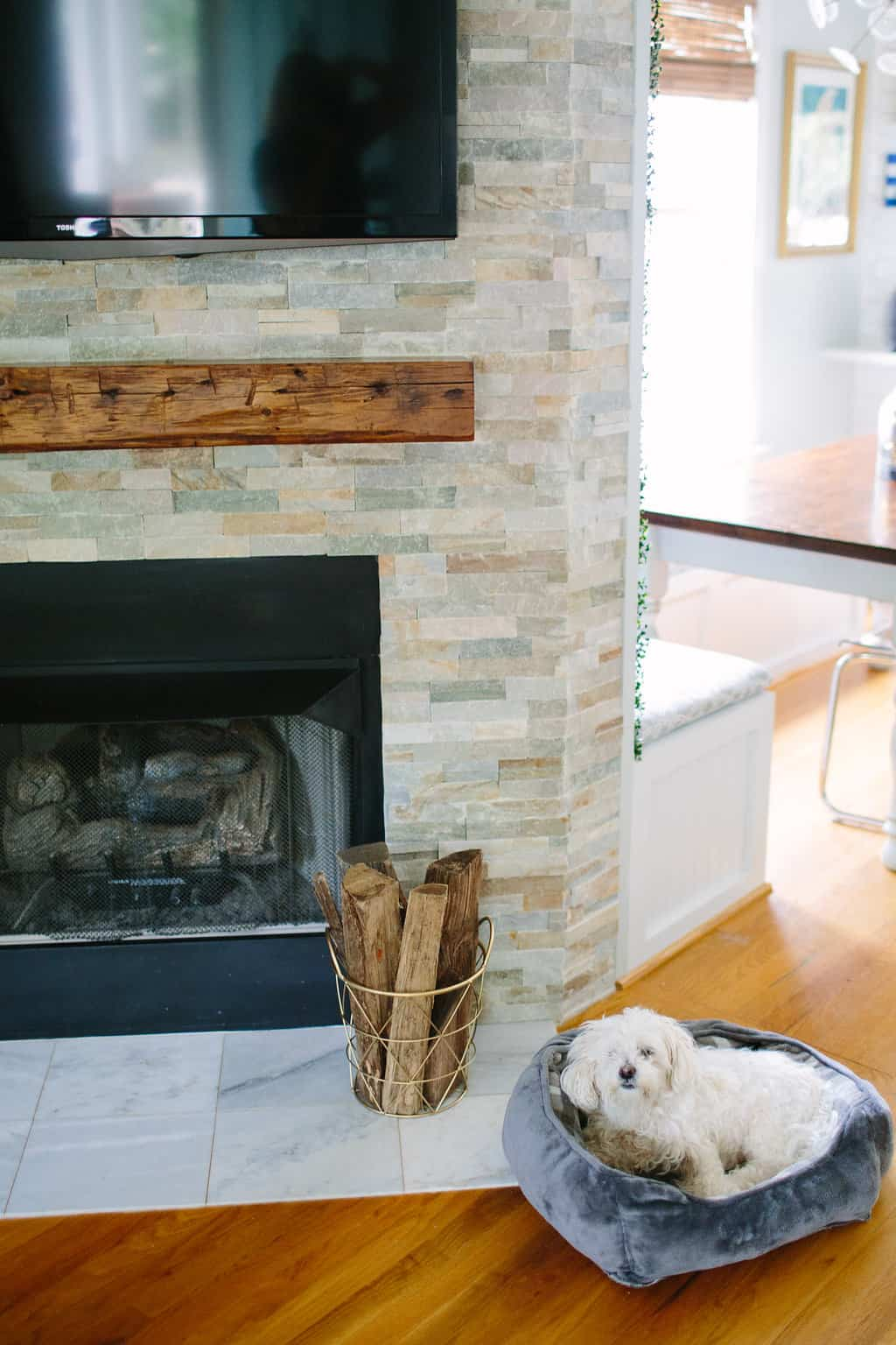 Blogger-Stylin-Home-Tour-2016-Fall-Edition-fireplace