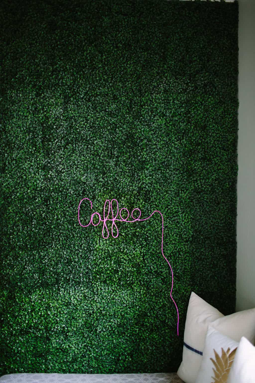 Artificial-Boxwood-Accent-Wall-DIY-Neon-Sign-