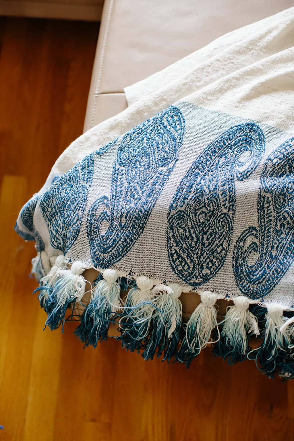 Simple Stylings 2017 Spring Home Tour tassel blanket