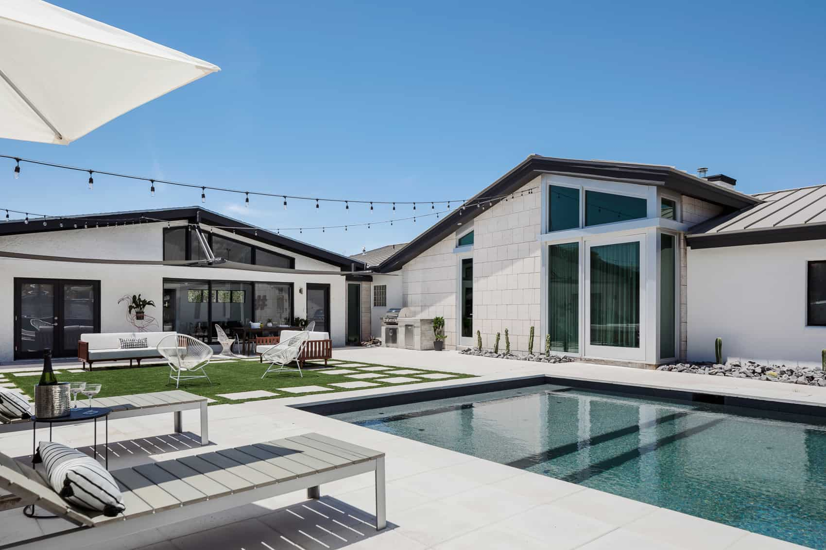 Home of the Month: Stunning Desert Home of Aquahaus Blog