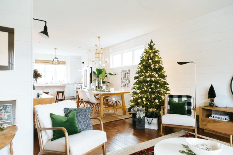 Home of the Month: Simple Holiday Home of Creekwoodhill