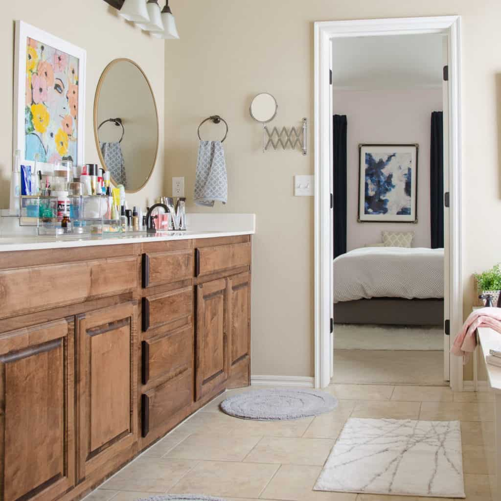 HOM: The Unique Home of Melissa from Polished Habitat bathroom