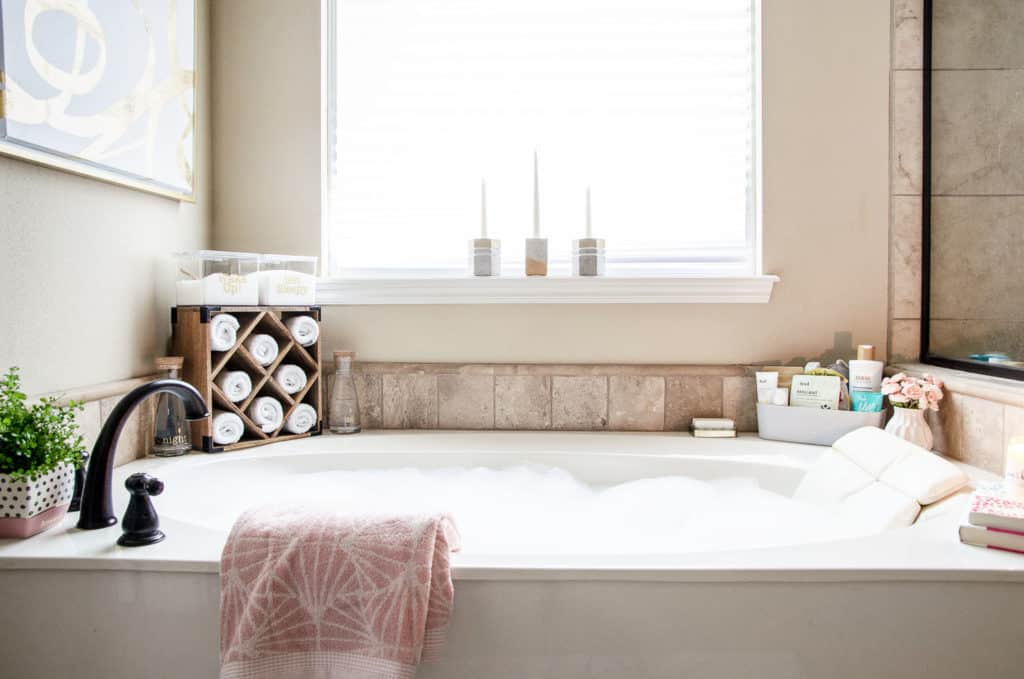 HOM: The Unique Home of Melissa from Polished Habitat bath