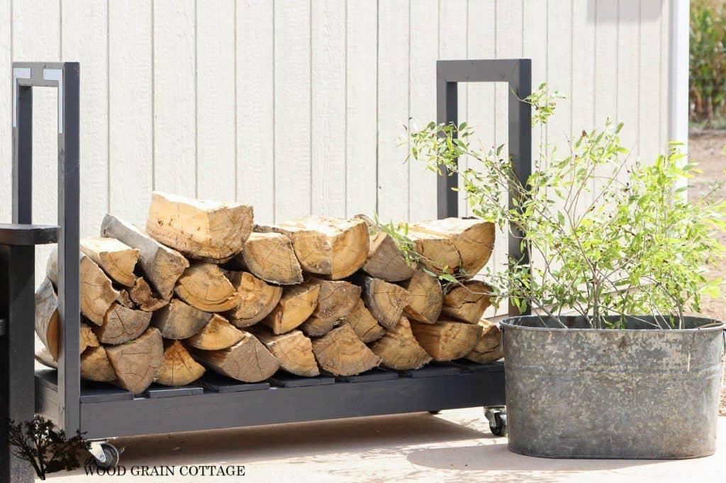 DIY Outdoor Firewood Storage Rack Ideas on wheels