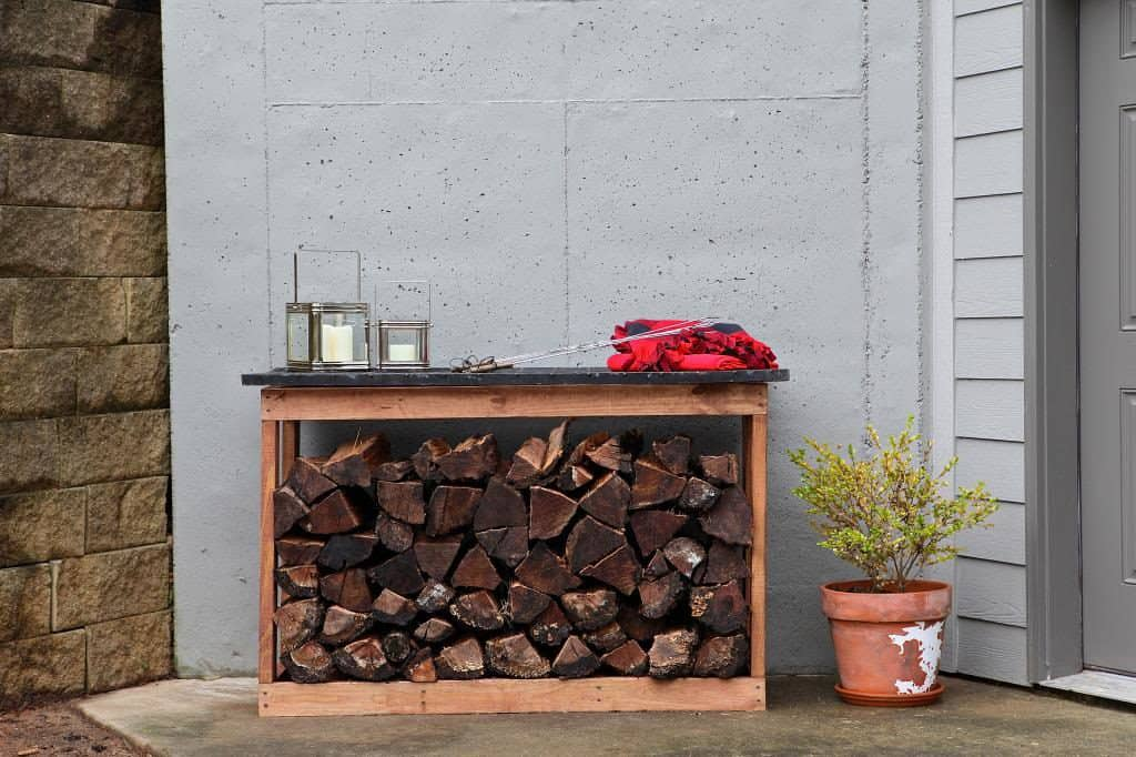DIY Outdoor Firewood Storage Rack Ideas with a top