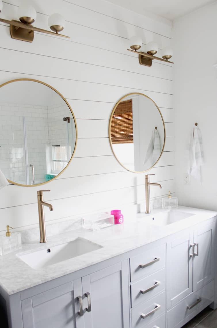 Spring 2018: A Wannabe Minimalist Home Tour master bath