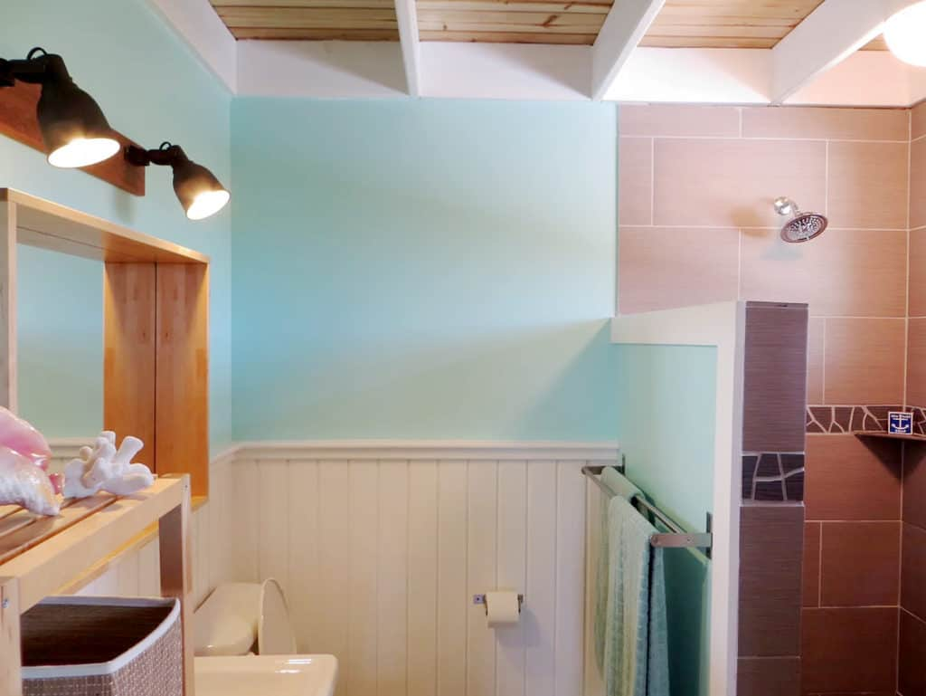Home of the Month: Beautiful Bahamian Home (For Sale) bathroom 1