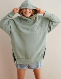 Top 5 Friday: My Favorite Slouchy Sweaters Under $100 hoodie