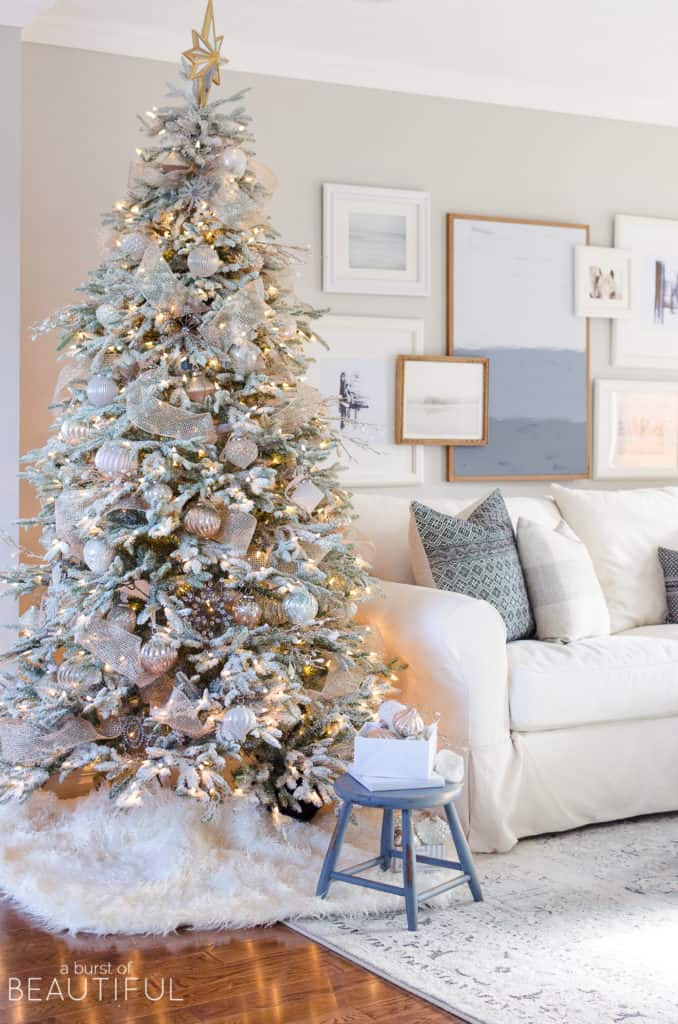 Top 5 Friday: Favorite Christmas Decorating Themes gold and silver