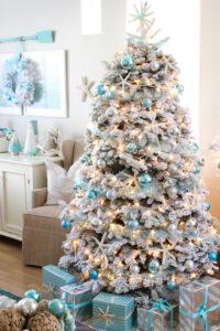 Top 5 Friday: Favorite Christmas Decorating Themes coastal