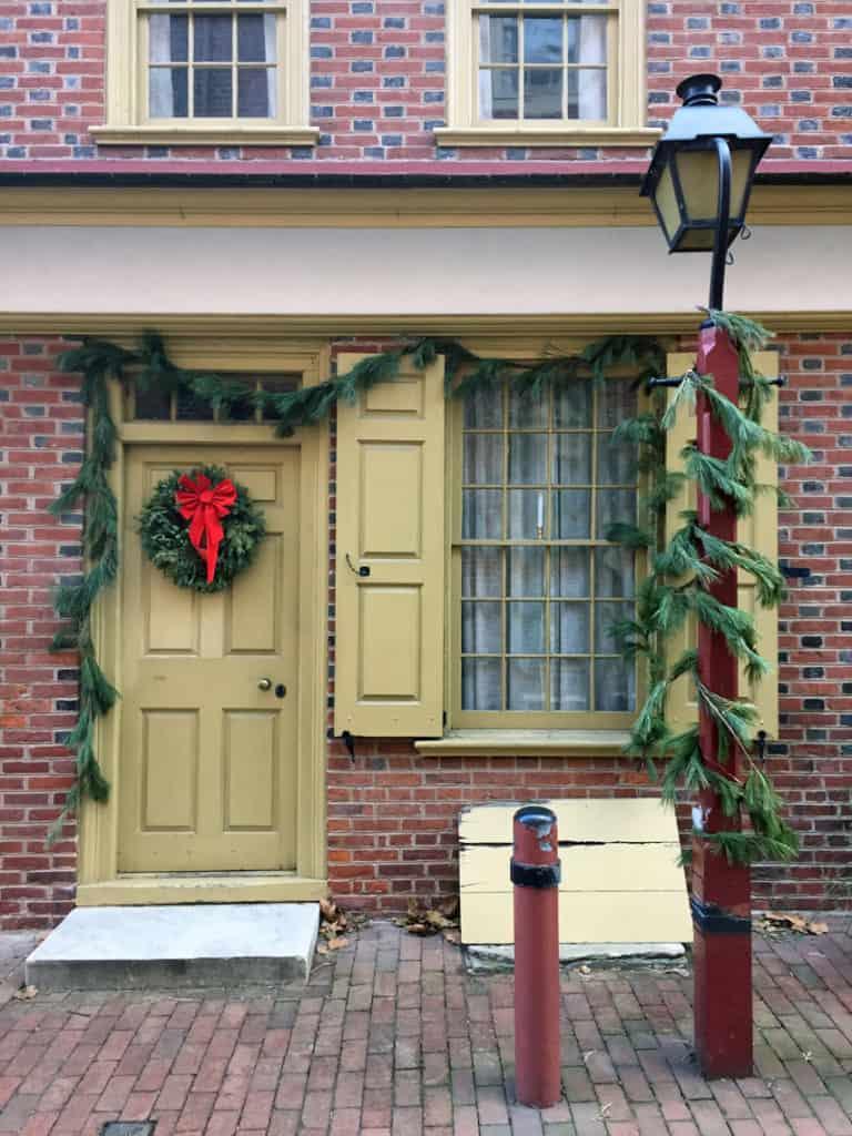 Roadtrip Reality: Fifth Grade Tour of Philadelphia, PA christmas decorations