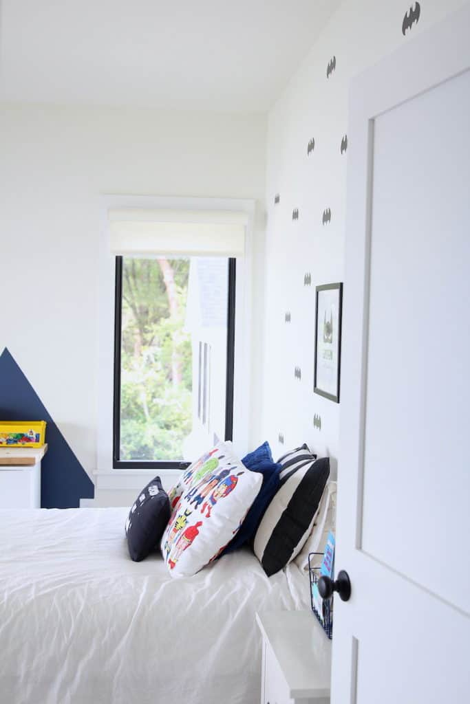 Home of the Month: A Laid Back Lake House mikey's room