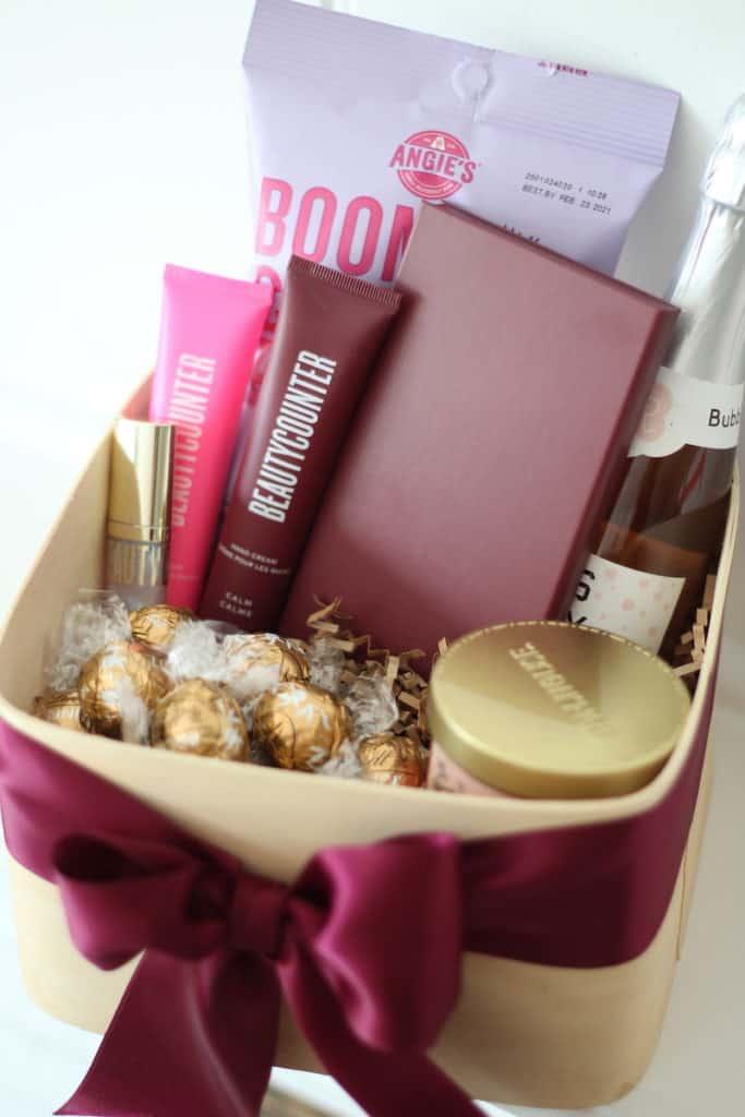 beautycounter gift idea for girlfriends